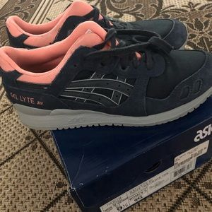 ASICS Gel-Lyte III Navy and Pink